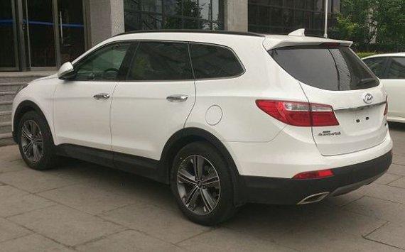 В России прекращаются продажи Hyundai Grand Santa Fe