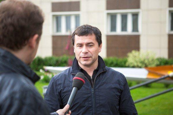 Чистюхин во время общения с журналистами